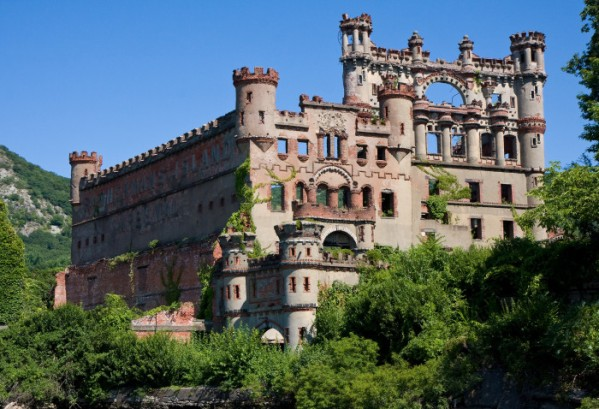 Bannerman-Castle-6047799088-700x478