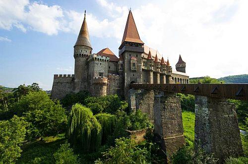 Corvinesti Castle, Hunedoara, Romania 4