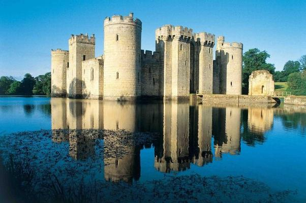 incredible-castles-bodiam-castle-picturesque